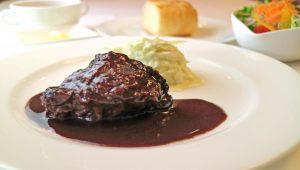ホホ肉の赤ワイン煮